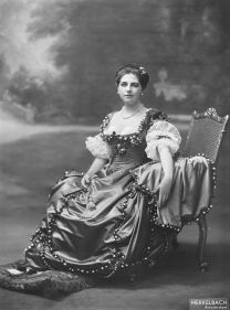 640px-Mata_Hari,_by_Jacob_Merkelbach