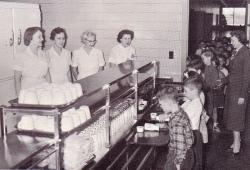 kaeg-cafeteria-staff-1956